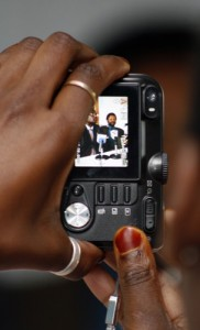 hands_with_camera