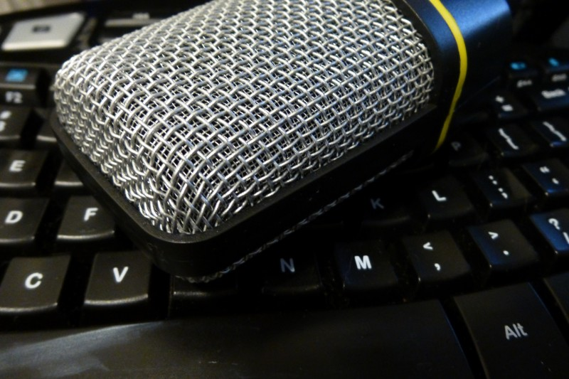 Microphone on Keyboard: http://www.publicdomainpictures.net/view-image.php?image=156782